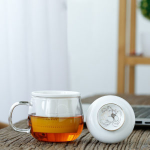tea cup with infuser lotus